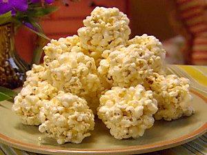 Pa0913_popcornballs_e