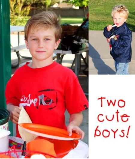 Two_cute_boys_2